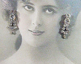 Vintage Rhinestone Screwback Earrings - V-EAR-629 - Rhinestone Earrings - Screw Back Earrings