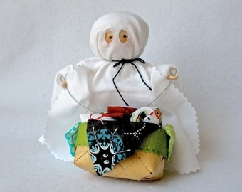 Ghost Art Doll, Clothespin Doll, Ghost Peg Doll,  Halloween Decor, Pegtales Laundry Day