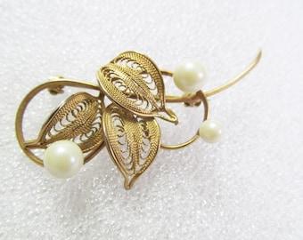 Vintage Gold Tone Filigree Faux Pearl Bead Brooch Pin