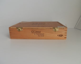 wooden box . cigar box . box for assemblages . cigar boxes . supplies . craft supplies . cigar boxes for crafting . wooden boxes for crafts