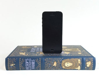 Aesop's Fables booksi Book Charging Dock for iPhone