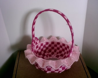 Catcher Basket with Ruffles, Assorted Colors