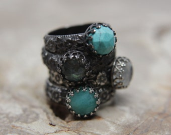 Queen of the Gypsies Sterling Silver Ring. Floral band gemstone ring.