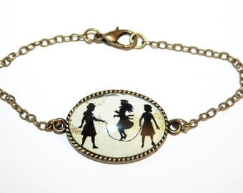 3 Sisters Silhouette Bracelet bronzecolored - gift, friend, sister, mother, daughter