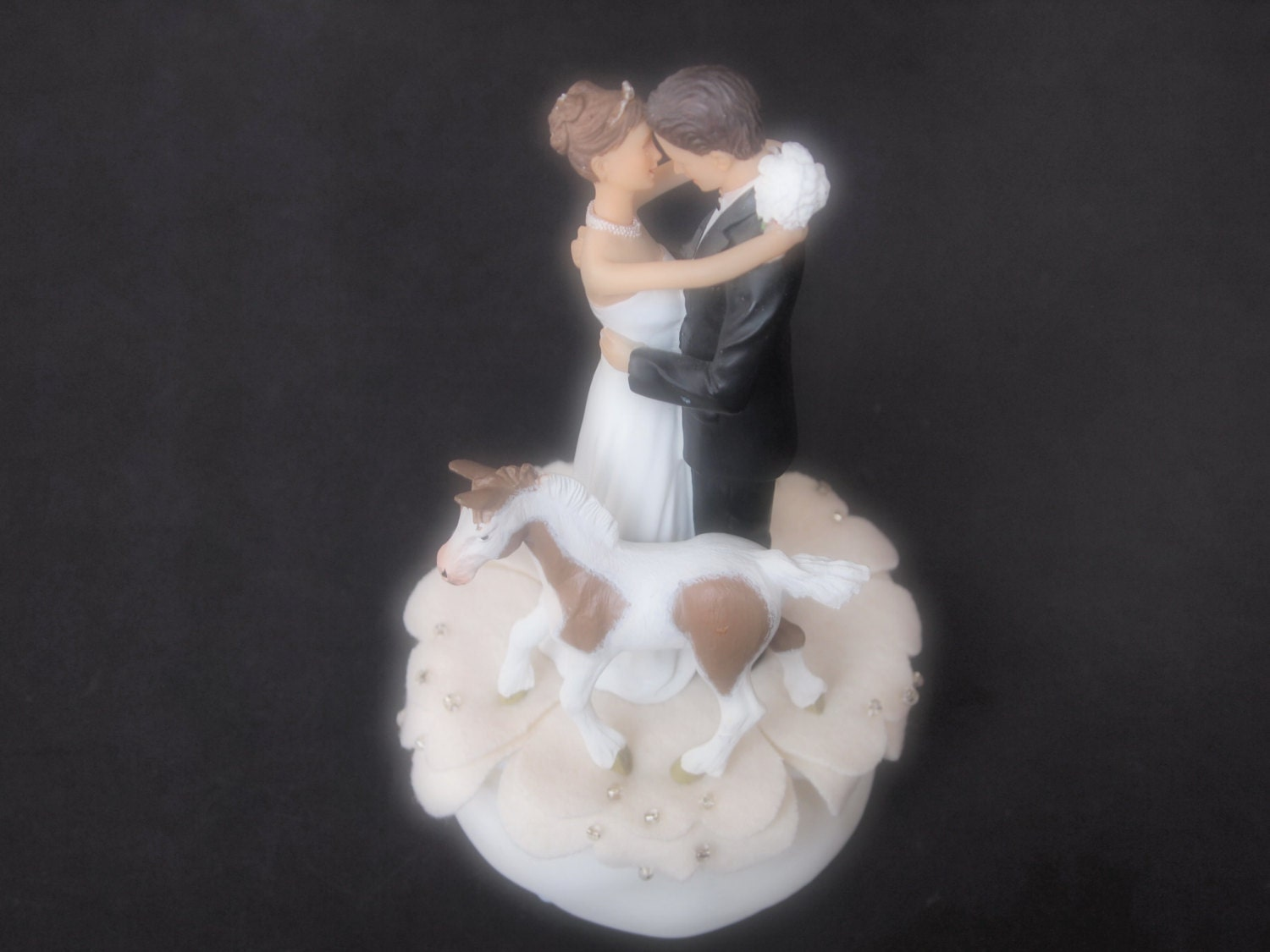 wedding cake toppers northern ireland cake topper wedding ivory and groom cob bay 26556