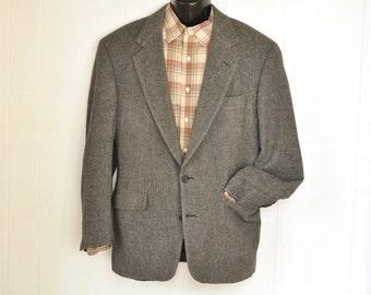 Mens Jacket Camel Hair 42R L Vintage Herringbone Sport Coat Blazer Gray IZOD 1980's Menswear Vintage Mens Fashion Classic Preppy Ivy League