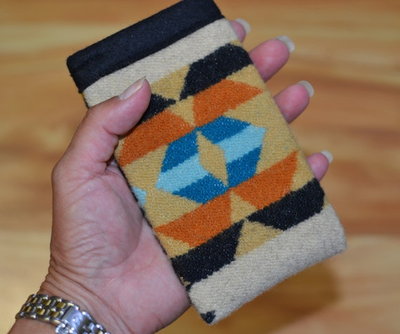 iPhone 5 5s 5c sleeve, cover, case - WOOL Native American Print  - iPhone won't slip out