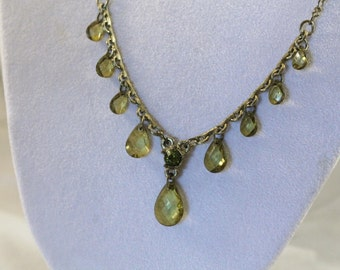 2028 Retro Green - Yellow Tear Drop Style Necklace