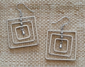 White Gold Plated 3D Square earrings for your art or jewelry projects - 1 pair (M1020)