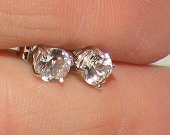 14kt White Sapphire 1.00tcw(diamond-like) Earrings