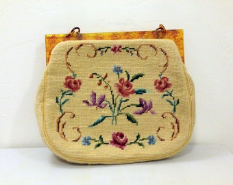 Vintage Needlepoint Tapestry Bag / Embroidery Hand Bag / Handmade Purse / Plastic Accent / Matching Coin Purse & Comb / 1950-1970s