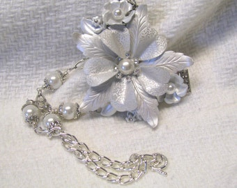 White Flower White Faux Pearl Crystal Rhinestone Bridal Statement Necklace, Bridal Jewelry, White Bridal Jewelry, Mother of the Bride