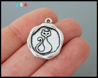5 CAT Charm Pendants - 22mm Round Antiqued Silver Wax Seal Style Kitty Cat Animal Pendant Charm - Instant Ship - USA Discount Charm - 6250