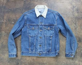 Medium Wash DENIM Jacket / 1990's Corduroy Collar Women's Jean Coat / Cropped Vintage Jacket