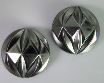 4 Vintage 24mm Deeply Carved Geometric Matte Silver Acrylic Cabochons Cb89