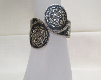 Sale Vintage Mexican Sterling Silver Hinged Bracelet Bright Cut Engraved Oxidized