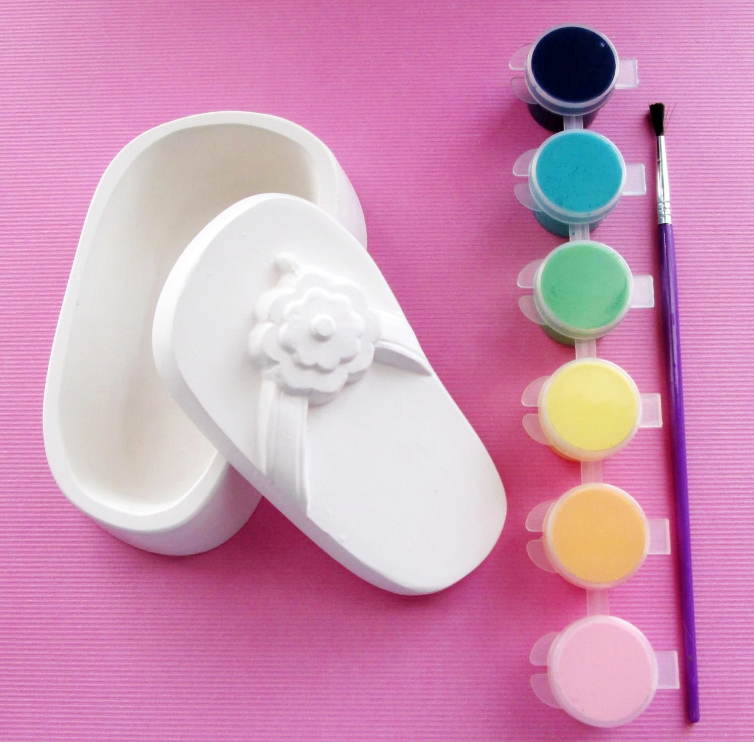 Flip flop plaster painting kit art party craft by for Plaster crafts to paint