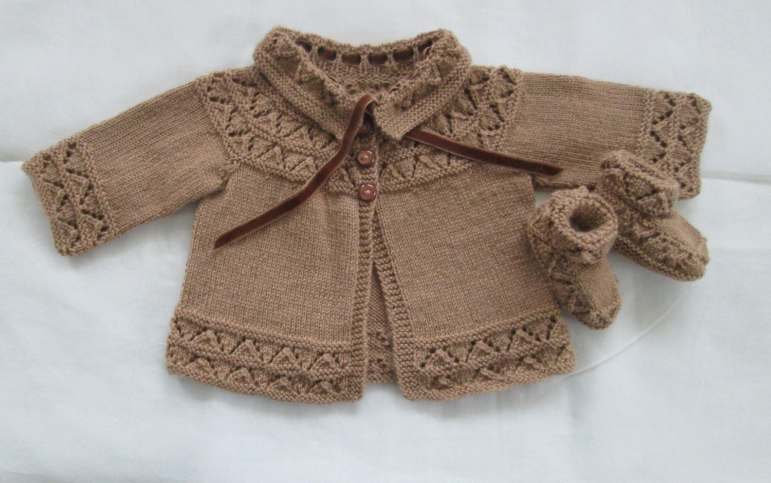 Knitting Patterns And Wool Sets : Baby Sweater Booties Set Hand Knit Cashmere Wool 6M by SwanAvenue