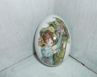 1976 Royal Bayreuth Porcelain Easter Egg Figurine