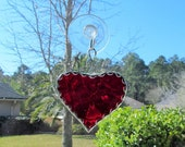Scarlet Red Water Glass Mini Heart with Twisted Wire Hanger & Decorative Scalloped Foil Border