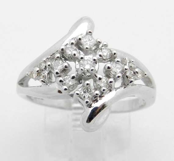 Diamond Cluster Ring 14K White Gold Round Brilliant Size 7