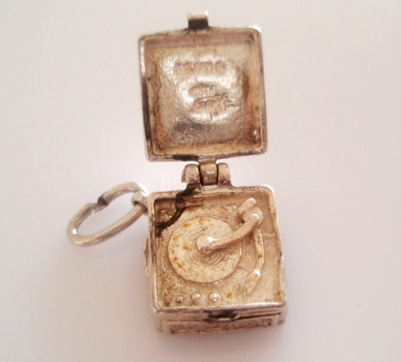 Silver Nuvo Record Player Opening Charm