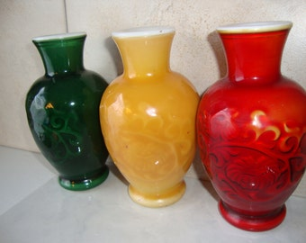 Vintage Avon Green Red Yellow Glass Vase Spring Bouquet Fragranced Vase, Asian Look