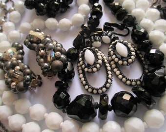 "Vintage Costume Jewelry Lot Black and White Long 32"" Beads Glass Cameo Beads Choker Necklace Clip Earrings destash"