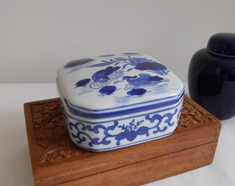 Chinoiserie Chic Blue and White Asian Covered Dish Home Decor Storage Box