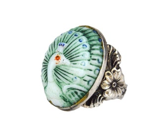 1920s Max Neiger Czech Glass Peacock & Sterling Silver Ring // Painted Pressed Glass Cabochon In Floral Ring Setting // Size 5-1/2