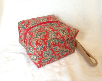 Red paisley Essential Oils Case Pouch, holds 20 bottles, 5ml - 15 ml (.5 oz), Ready to ship.