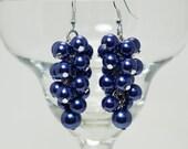 Navy cluster earrings, blue wedding jewelry , bridal pearl earrings, navy bridesmaid cluster earrings, navy pearl earrings, chunky earrings