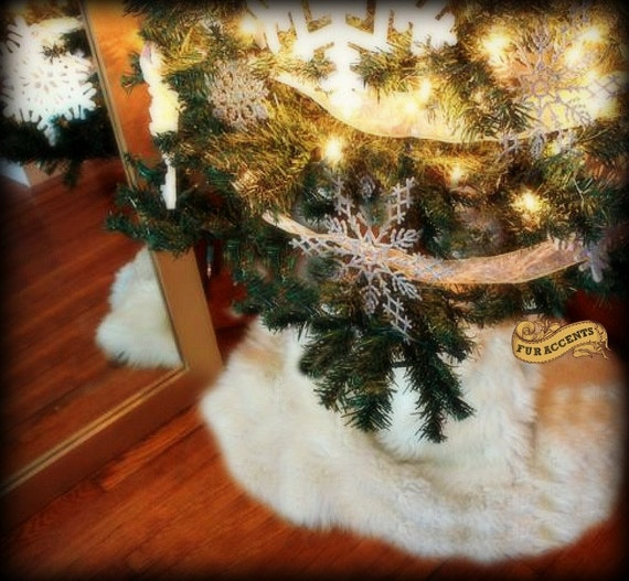 Classic Round Christmas Tree Skirt / Faux Fur Sheepskin Round