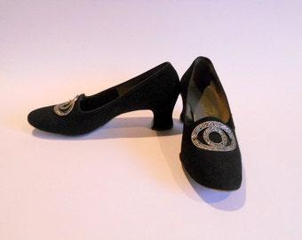 Vintage Black Velvet Shoes Pumps Heels Women's Size 6 Formal Shoe Florsheim Serenades