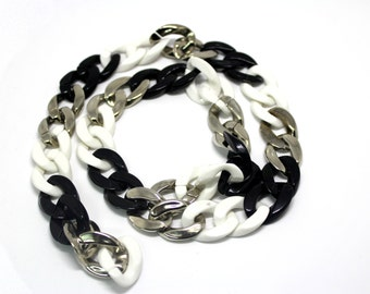 2 YARD Lightweight Plastic Chain Links Trim