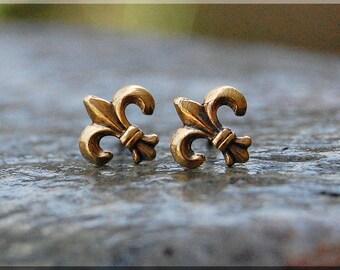 Tiny Fleur de Lis Earrings. Gold Fleur de Lis Post Earrings, Brass Fleur De Lis Earrings, Handmade sterling silver post stud earrings