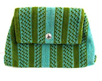 Vintage 70s Knit Clutch Purse - Blue and Green Macrame Knit Clutch