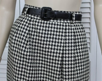 Vintage Evan Picone Black and White Houndstooth Skirt Size 4