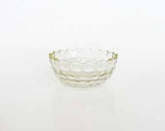 Clear Glass Pale Amber Candy Serving Dish Bowl Diamond Point Pattern, Retro Kitchenware Collectibles