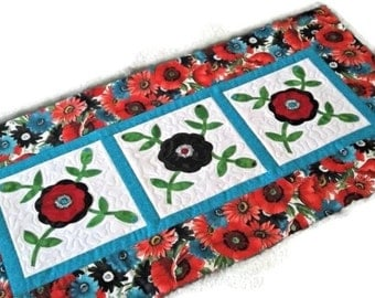 Quilted Table Runner - Applique Rose of Sharon