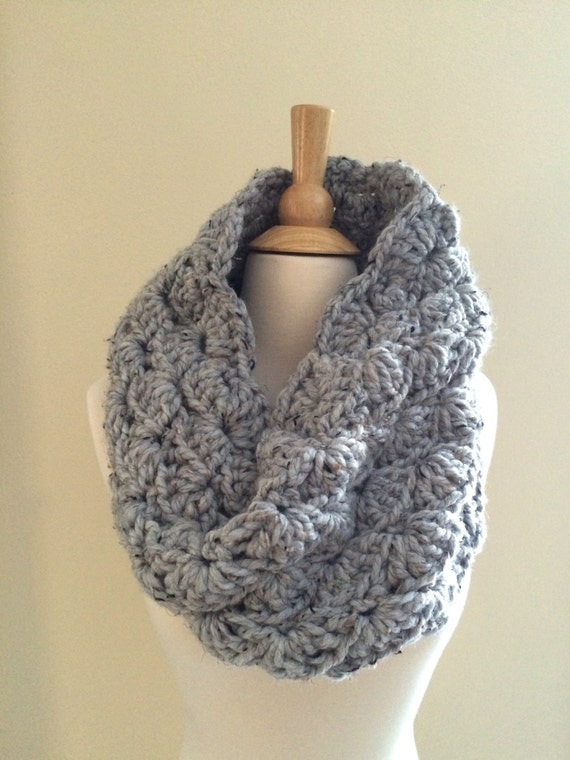 Crochet Patterns Super Bulky Yarn : DIY Crochet Pattern: Sophie Cowl, Super Bulky Lacy Infinity Scarf ...