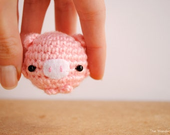 Pig keychain, kawaii keychain, a cute pink pig decor. Made to order.