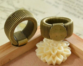 Ring Blanks -- 5pcs Antique Bronze Ring Blanks with 10mm Round Flat Pad