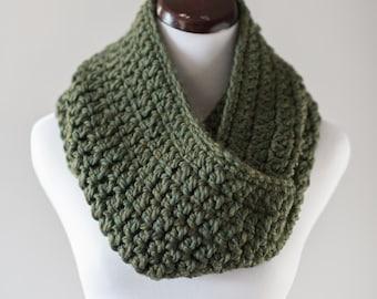 Infinity Scarf // Forest Green Infinity Scarf // Handmade Knitwear // Women's Infinity Scarf // Women's Winter Accessories