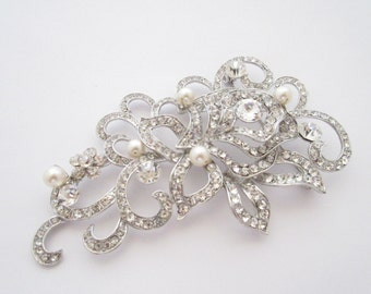 Wedding jewelry brooch,bridal brooch,wedding brooch,wedding accessories,pearl brooch pin,wedding bouquet,bridal hair comb,swarovski brooch