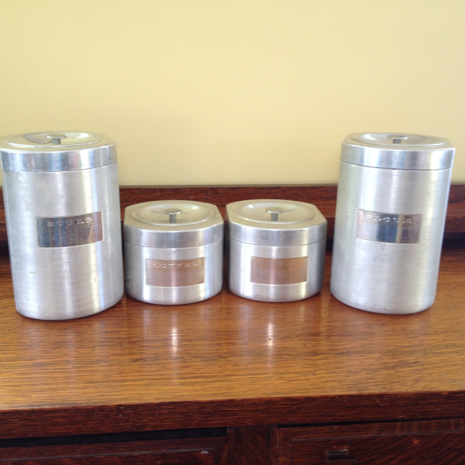 Vintage aluminum kitchen canister set of 4 for Kitchen set aluminium