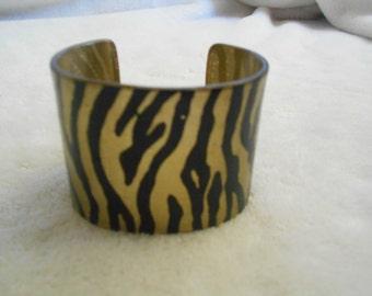 Vtg Bracelet-Lucite Goldtoned & Black Zebra Striped Cuff