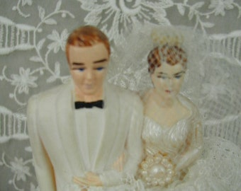 Vintage Wedding Cake Topper, Mid-Century, Traditional Bride and Groom, Lace and Tulle
