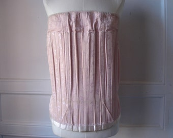 FOUND IN SPAIN -- fabulous pink corset - medium to large