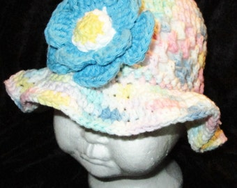 Handmade cotton crochet infant/toddler hat with two crochet flower clips